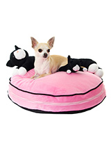 Best of Enemies Dog Bed - Who says Cats and Dogs can't be friends, or could it be a case of keep your friends close but your enemies closer. Whatever way you look at it this super comfy dog bed is not only practical but great fun. We have tried and tested this bed and are sure your dog will be snuggling up with their new BFF...